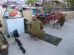 Снайперы с винтовками, оснащенными ПБС