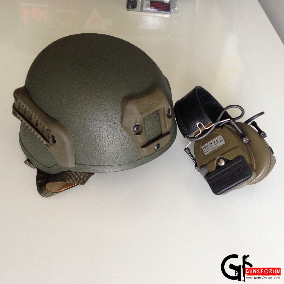 Бронешлем ШБМ с подвесной системой, подушками Skydex и рейлами для крепления навесного оборудования