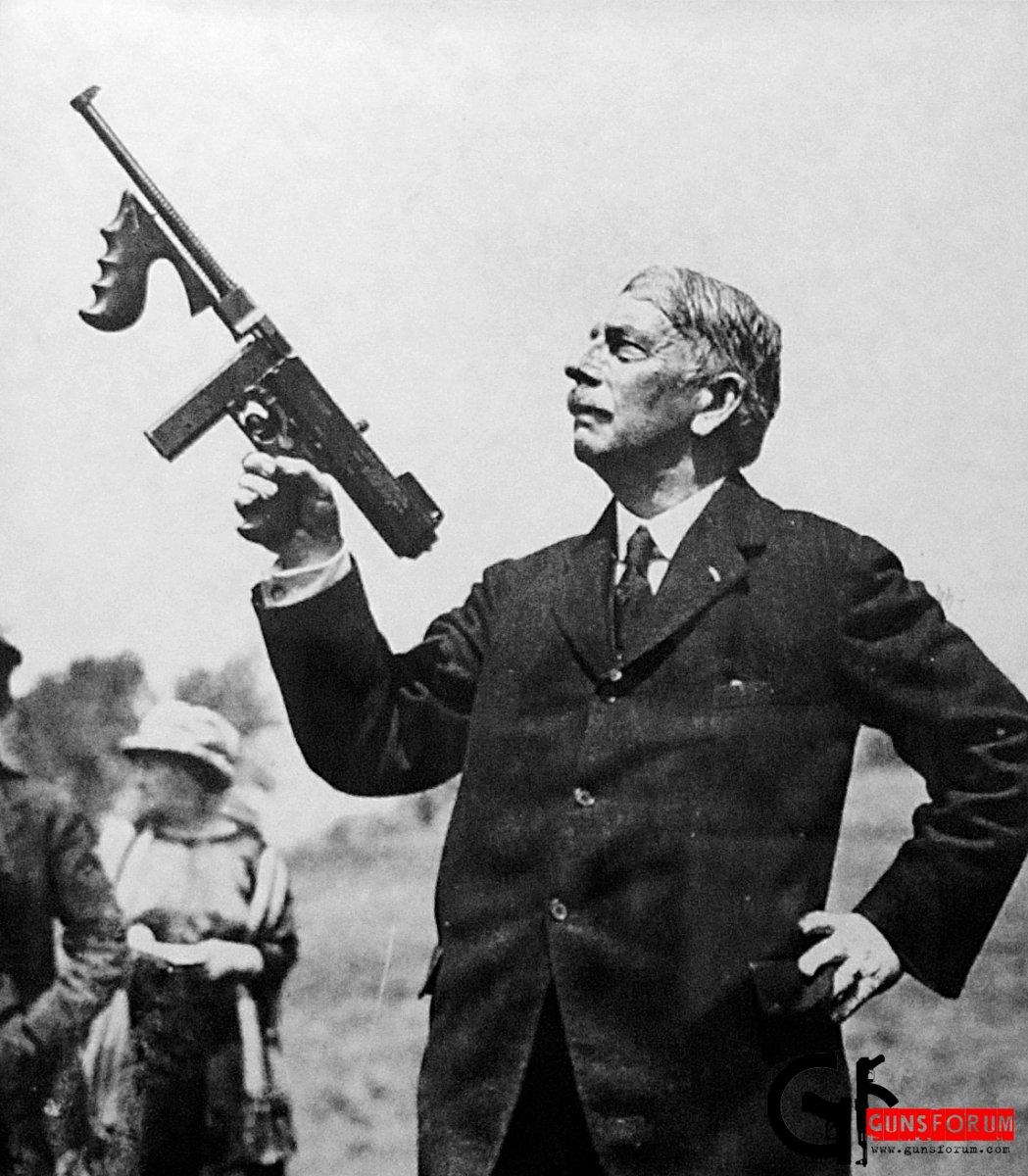 Thompson-and-his-gun.jpg
