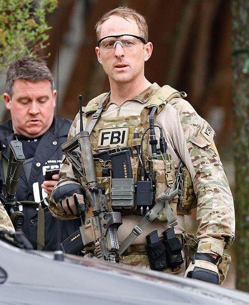 Crye Precision JPC (Jumpable Plate Carrier) 01 FBI HRT