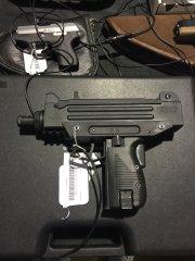 IWI пистолет-пулемет UZI .22LR