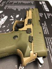 Травматический пистолет Р226 ТК-Pro второго поколения, покрашенный cerakote OD Green и FDE