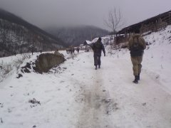 Снайпер, вооруженный СВД на задаче, в составе подразделения, выделенного для проведения разведывательно-поисковых мероприятий