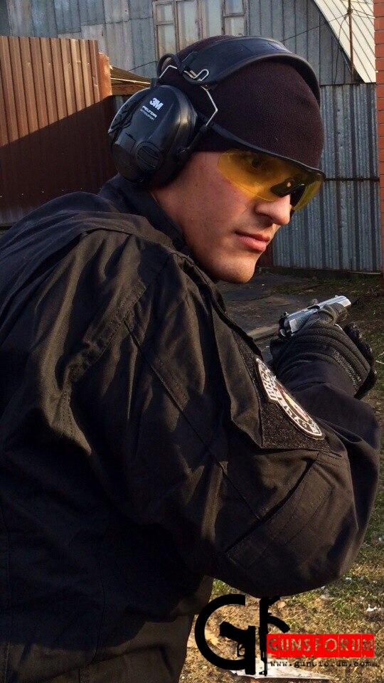 Инструктор по стрельбе Александр Загребаев
