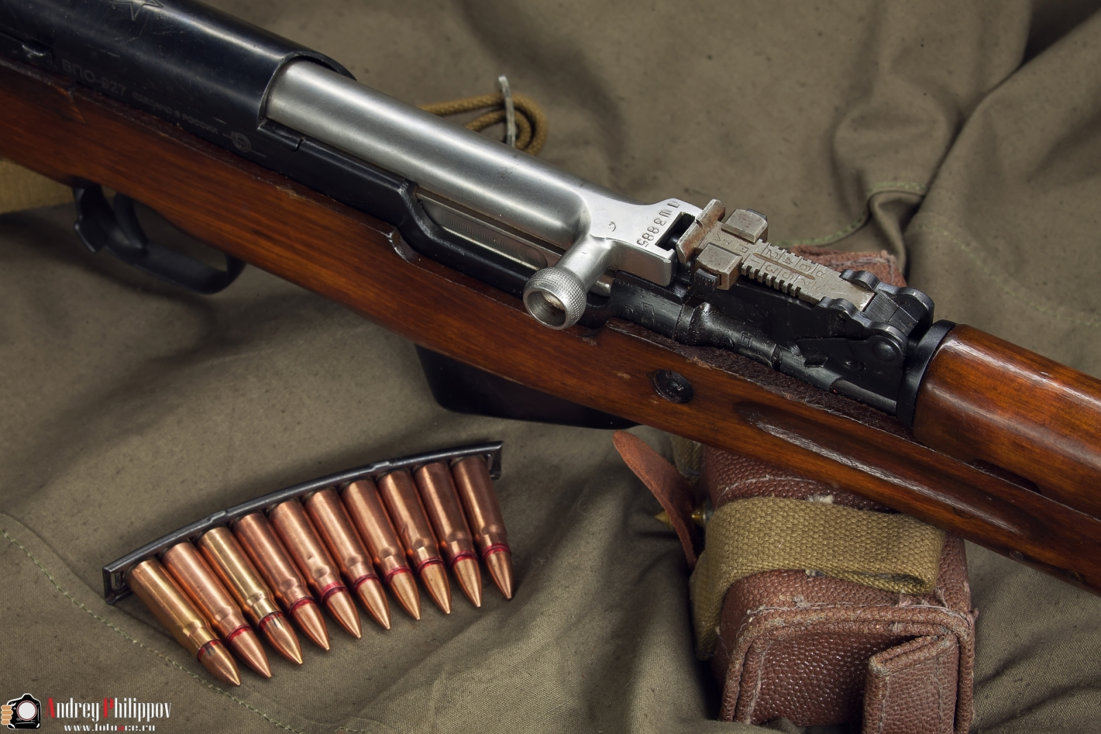 Студийные фотографии оружия